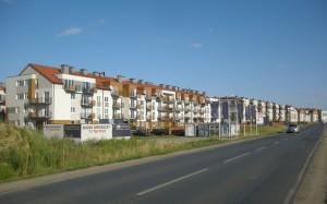 Budynki na osiedlu deweloperskim w Jagodnie.