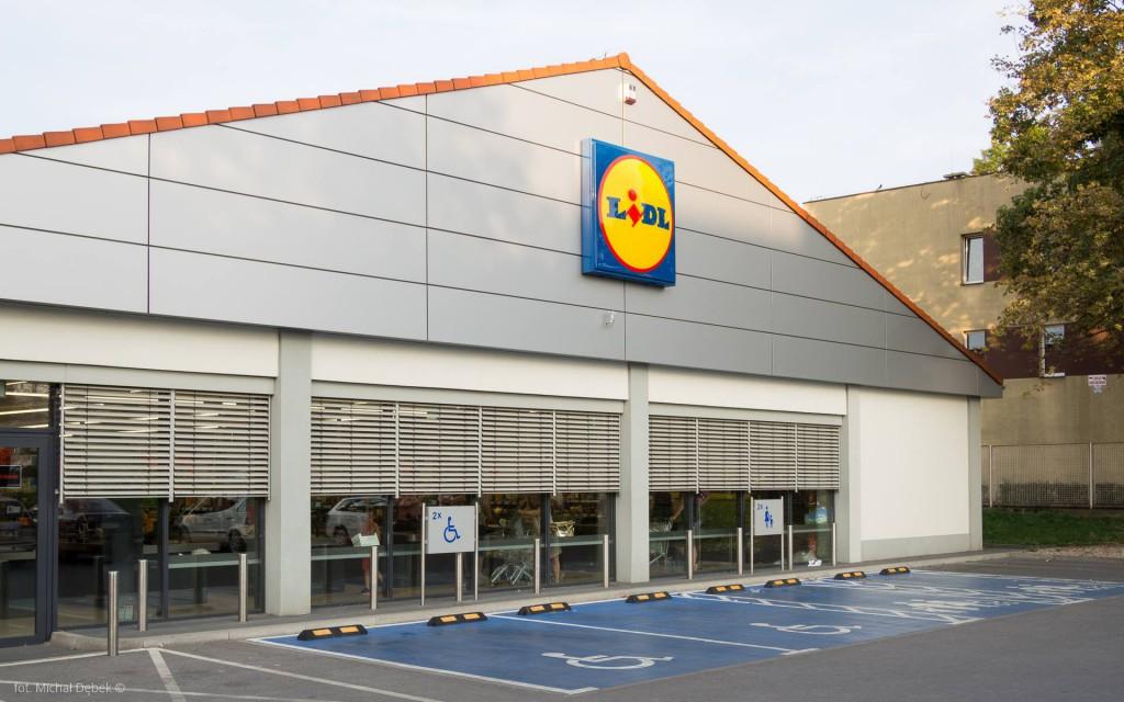 Lidl przy ul. Hubskiej 2018. Czy uda się harmonizować supermarkety z otoczeniem? Więcej zdjęć
